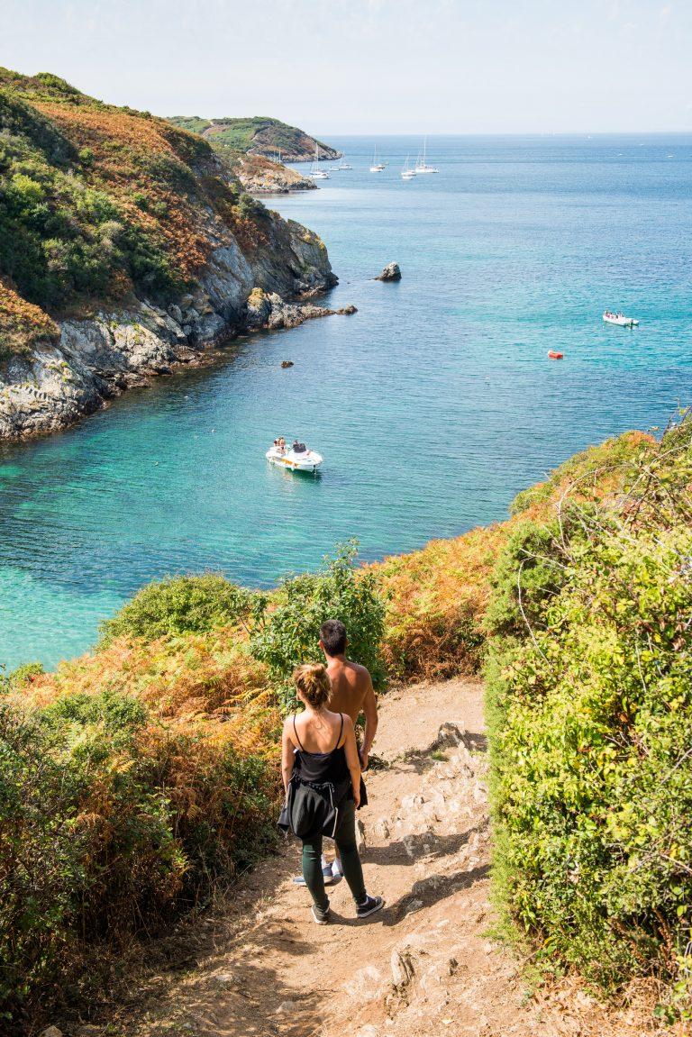 Randonnée pédestre en amoureux sur l'Ile de Groix